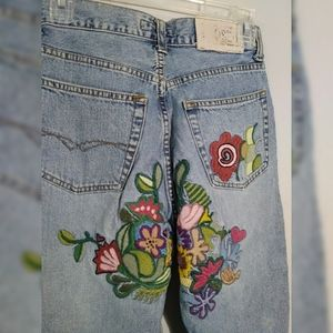 AMAZING vintage CLOSED Embroidered Floral Jeans 26